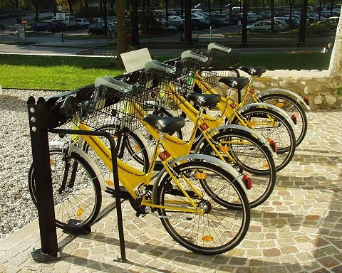 Mobilit sostenibile trentino introduce bike sharing la for Mobile milano bike sharing
