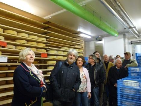 Soci Argav in visita Perenzin Latteria foto Beatrice Tesserin
