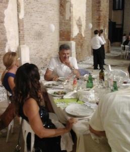 Un momento della cena (foto Nadia Donato)